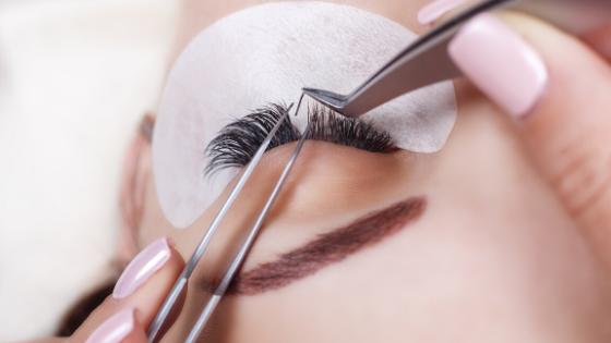 eyelashes, lash extensions, beauty, salons, social media