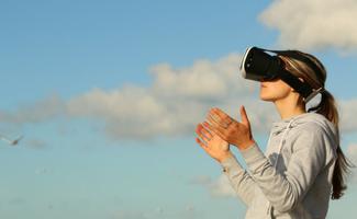 virtual reality and social media